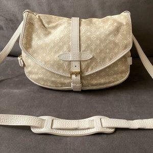 💜RARE💜 Saumur 30 White / tan